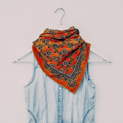 bright scarf print Turkish cucumber with denim clothing. fashion combination